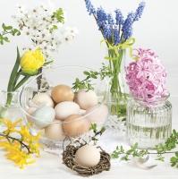 Servietten 33x33 cm - Spring Flowers in Glass Vases with Easter Eggs